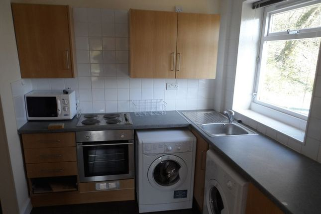 Thumbnail Flat to rent in Balwearie Road, Kirkcaldy