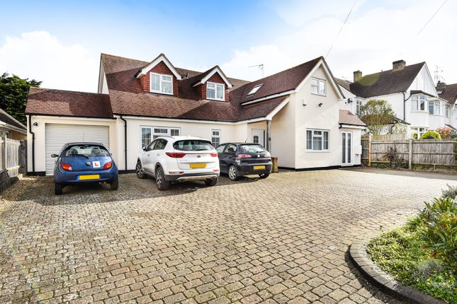 Thumbnail Detached house for sale in New Road, Meopham