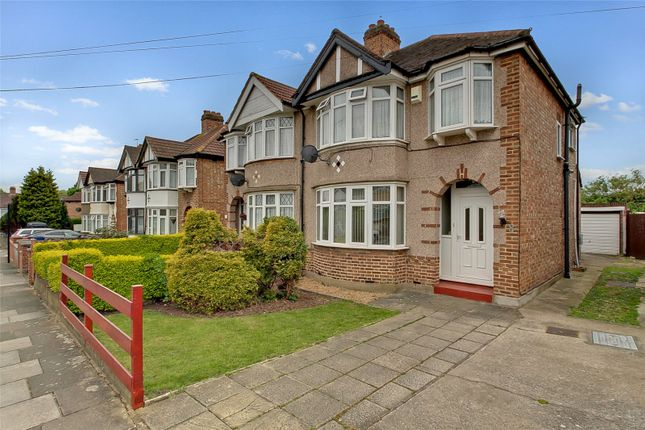 Picture No. 07 of Lincoln Close, Greenford UB6