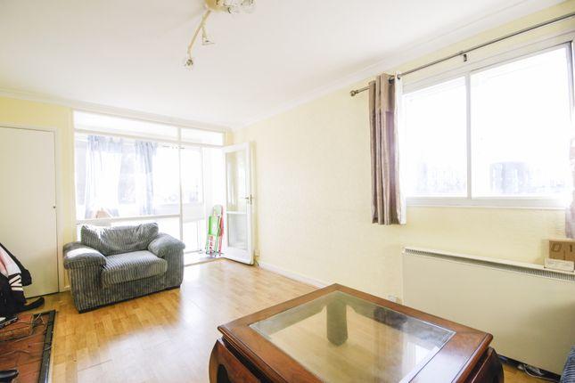 Thumbnail Flat to rent in Undercliff, 71 Blackheath Hill, Greenwich