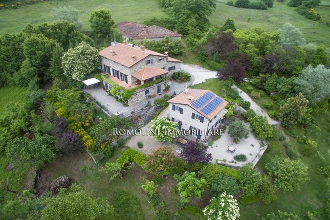 Thumbnail Farmhouse for sale in Caprese Michelangelo, Tuscany, Italy