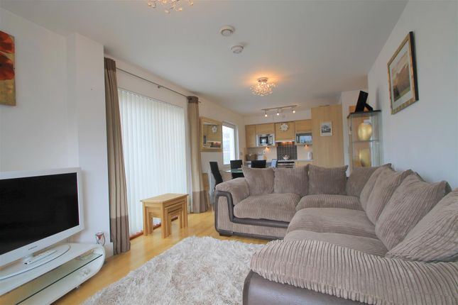 Flat for sale in Harbour Point, Stuart Street, Cardiff Bay