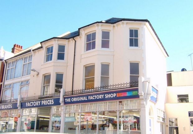 Thumbnail Flat to rent in St Leonards Road, Bexhill-On-Sea, East Sussex