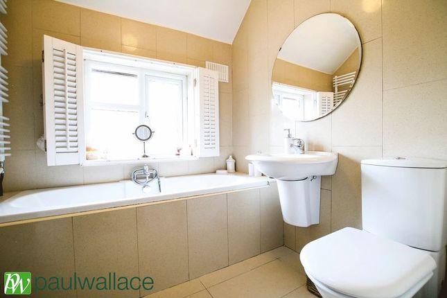 Bathroom of Dewhurst Road, Cheshunt, Waltham Cross EN8