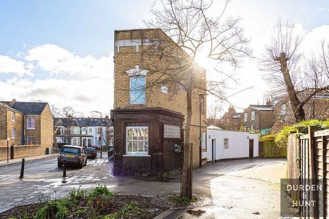 Thumbnail Flat to rent in Oldhill Street, London