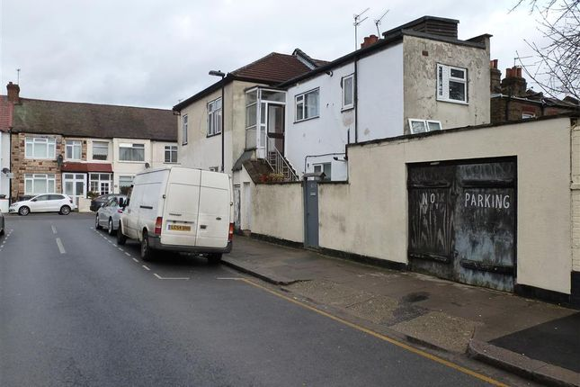 Thumbnail Property for sale in Seymour Avenue, London