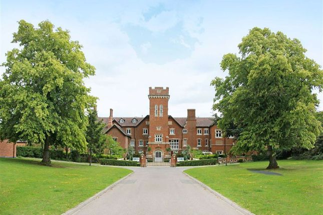 Thumbnail Flat to rent in Bedwell Hall, Essendon, Hertfordshire