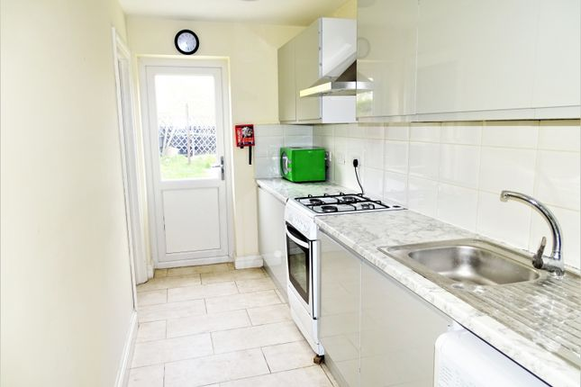 Thumbnail Terraced house to rent in Ash Grove, Heston, Hounslow