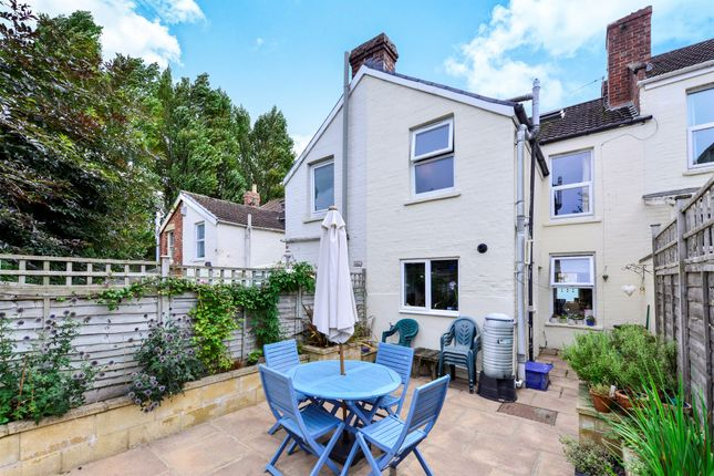 3 bed terraced house for sale in dartmouth avenue