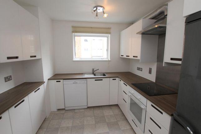 3 bed flat to rent in High Point, Heath Road, Weybridge