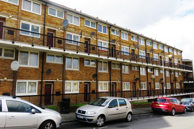 Thumbnail Maisonette for sale in Knee Hill Crescent, Abbey Wood, London