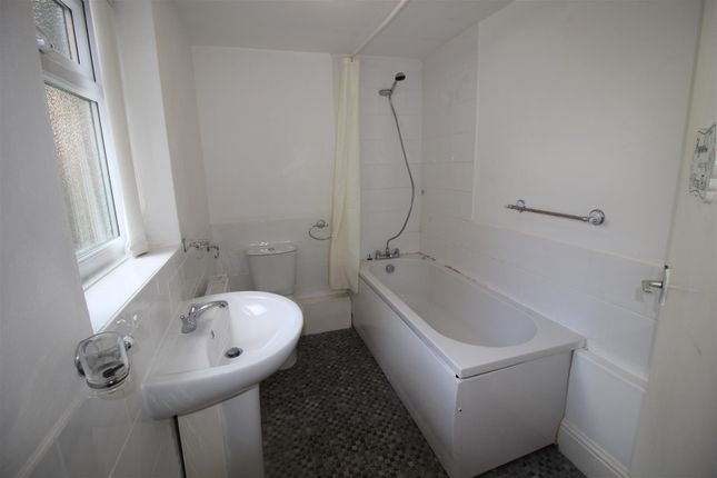 Bathroom of Grasmere Road, Darlington DL1