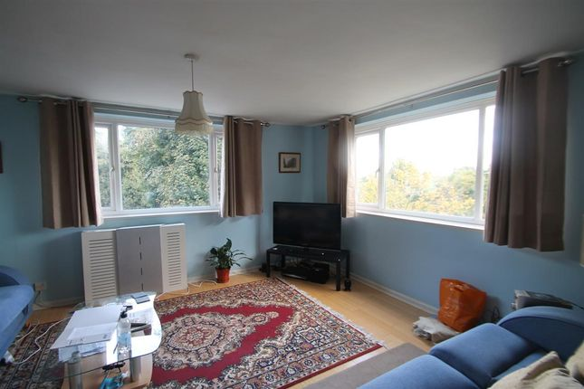 2 bed flat to rent in Chilton Court, Belstead Avenue, Ipswich