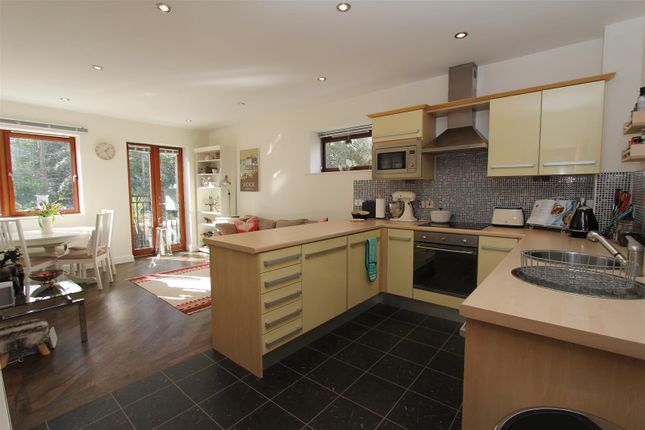 Thumbnail Flat to rent in Allerton Park, Chapel Allerton, Leeds