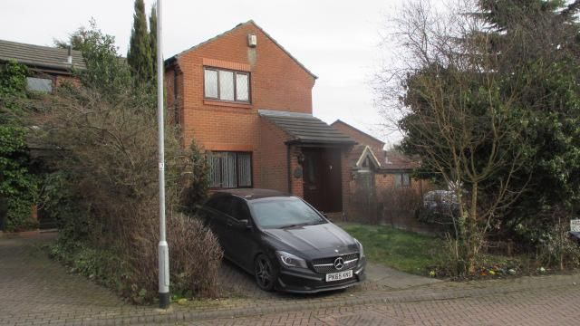 Thumbnail Town house to rent in High Bank Close, Colton, Leeds