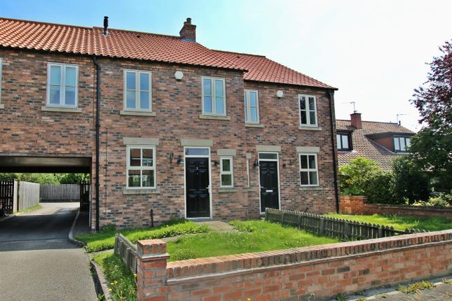 4 bed property for sale in 2 Jacobs Court, Sutton-On-The-Forest, York