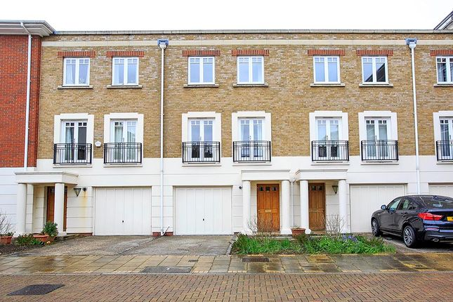Thumbnail Town house to rent in Cambridge Road, East Twickenham