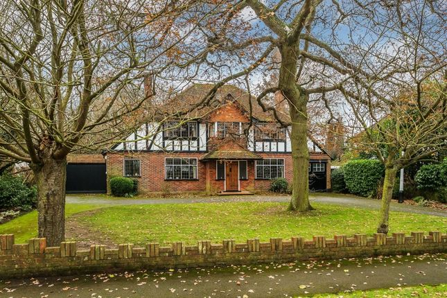 4 bed detached house for sale in Warren Avenue, Sutton
