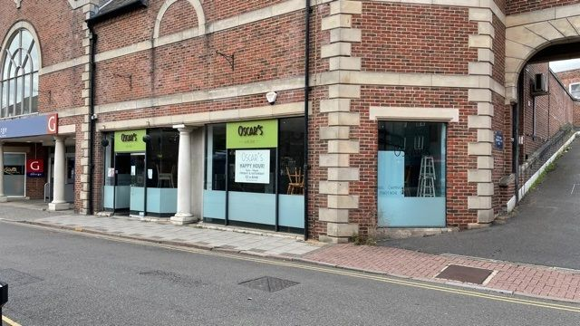 Thumbnail Pub/bar to let in Unit 27, The George Shopping Centre, Grantham