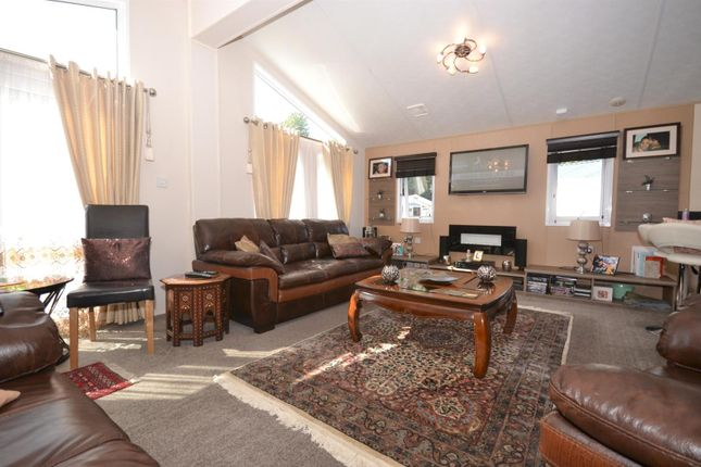 Living Area of Highfield Grange, London Road, Clacton-On-Sea, Clacton-On-Sea CO16
