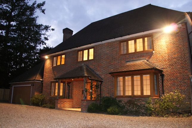 Thumbnail Detached house to rent in Vicarage Way, Gerrards Cross