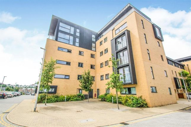 2 bed flat to rent in Plas Bowles, Cardiff CF11