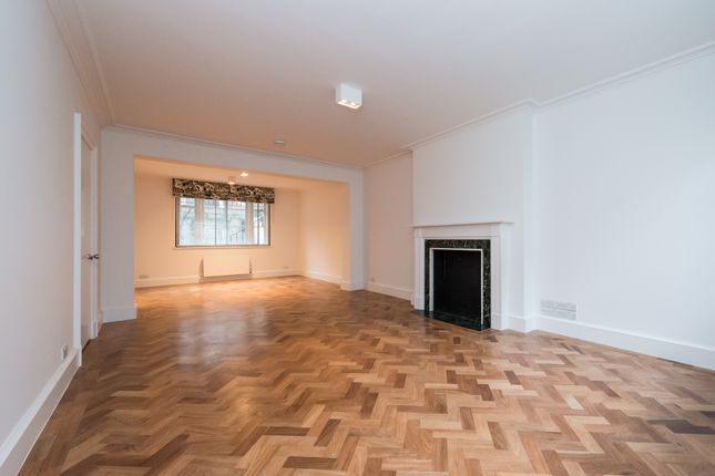Mews house to rent in Bryanston Mews West, London