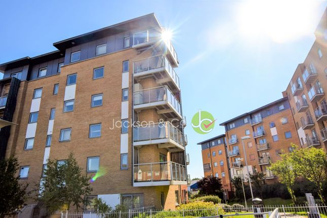 Thumbnail Flat for sale in Hawkins Road, Colchester