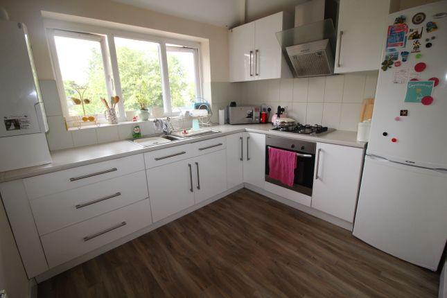 Thumbnail Flat to rent in Stratford Road, Hall Green, Birmingham