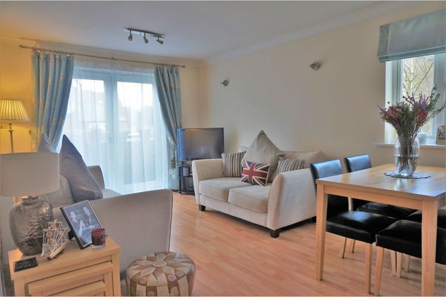 Thumbnail Flat for sale in Old School Place, Croydon