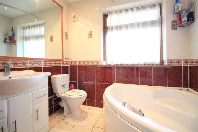 Family Bathroom of Fern Lane, Heston TW5