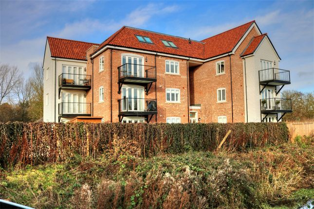 Thumbnail Flat for sale in Waterside Drive, Ditchingham, Bungay