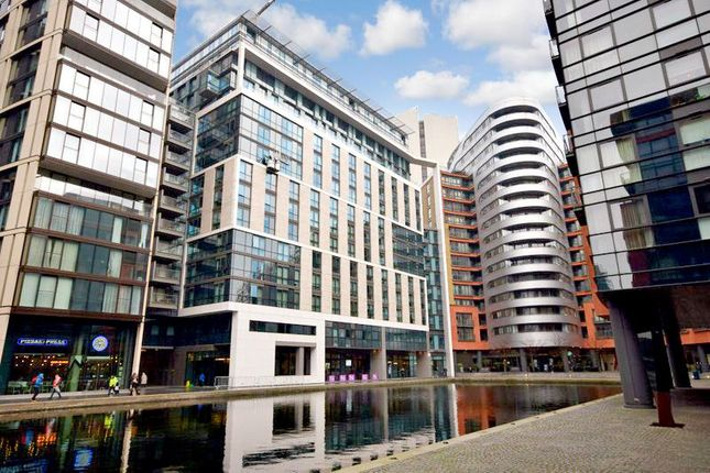 2 bed flat to rent in Merchant Square East, London