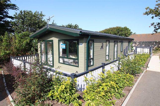 Thumbnail Mobile/park home for sale in Shorefield Road, Downton, Lymington