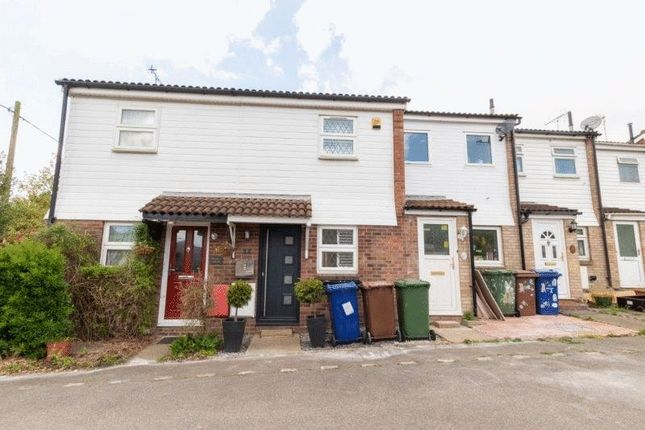 2 bed terraced house to rent in Stafford Close, Linford, Stanford-Le-Hope SS17