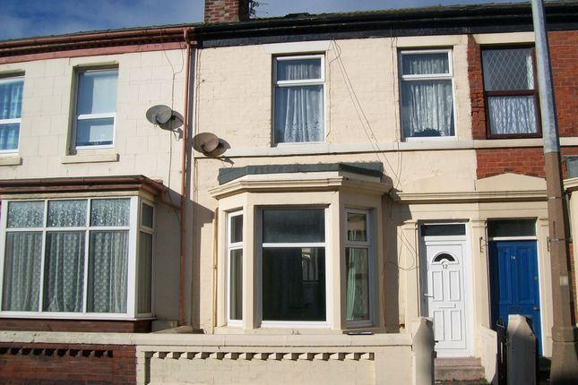 5 bed terraced house to rent in Milbourne Street, Blackpool