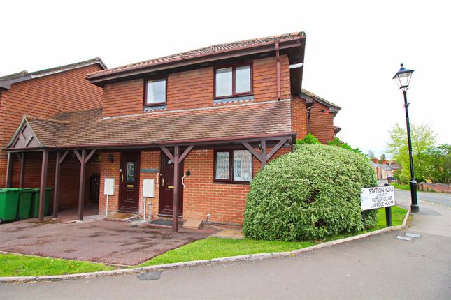 Thumbnail Flat for sale in Station Road, Overton, Basingstoke