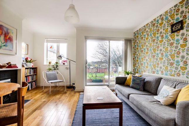 Flat for sale in Ashenden Road, London