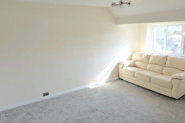Thumbnail Flat to rent in Whitby Road, Slough