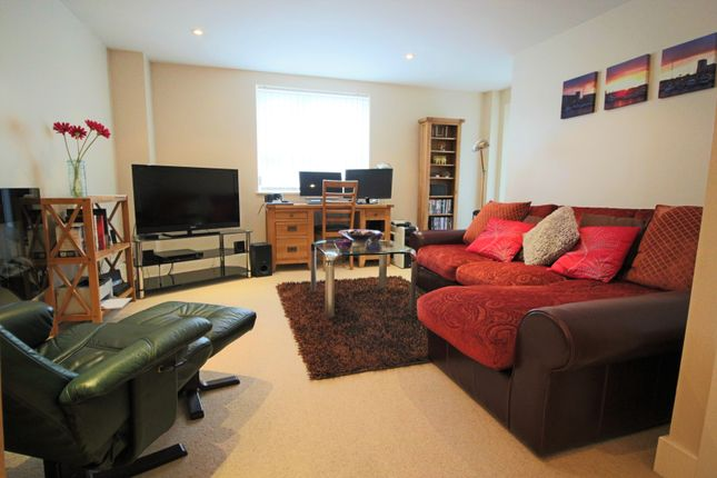 Thumbnail Flat for sale in Kings Road, Swansea