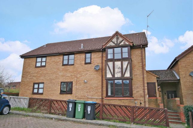 Thumbnail Town house to rent in The Pastures, Hemel Hempstead