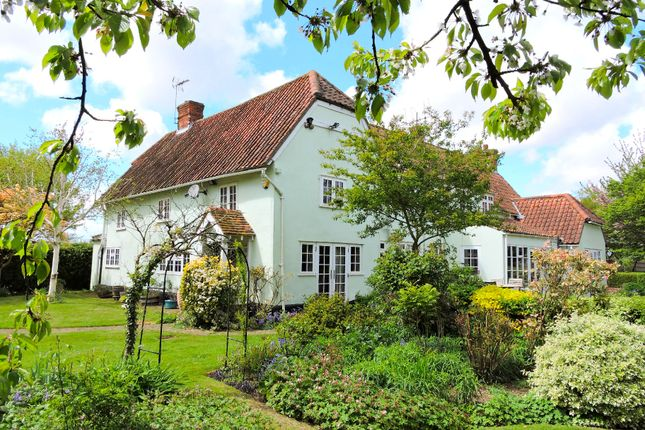 Thumbnail Detached house for sale in Frenches Green, Felsted