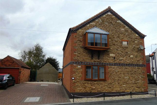 Thumbnail Flat to rent in Jonderian Cottages, Cross Tree Lane, Messingham, Scunthorpe