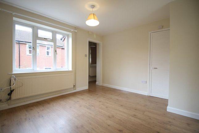 2 bed semi-detached house to rent in Ravenscourt Walk, Shrewsbury