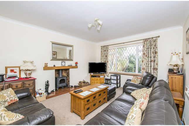 Thumbnail Detached house for sale in Main Street, Kirby Muxloe, Leicester