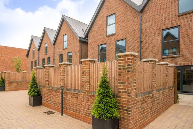 Thumbnail Terraced house for sale in Atherton Court, Stratford