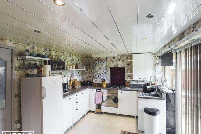 Kitchen of Woolacombe Avenue, Sutton Leach WA9