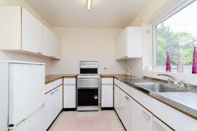 Thumbnail Flat for sale in Beaufort Court, London, London
