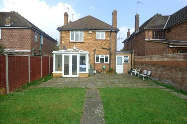 Thumbnail Detached house to rent in Marlborough Road, Langley, Berkshire