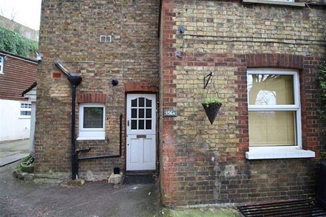 2 bed flat to rent in St. Johns Hill, Sevenoaks